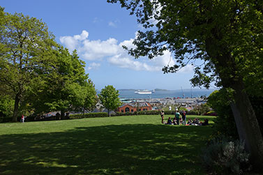 Guernsey,-3
