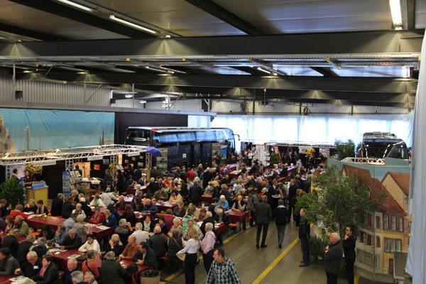 Carhalle während Marti Reise-Festival