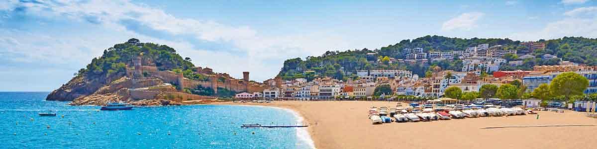 Strand und Ort Tossa de Mar Spanien