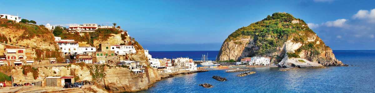 Blick aufs Meer von der Ferieninsel Ischia aus