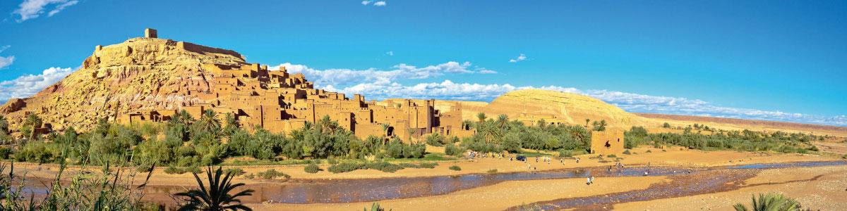 Wüstenstadt in Marokko während Rundreise