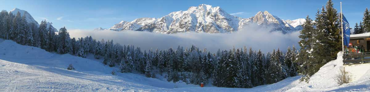Bergpanorama während Skiferien im Tirol