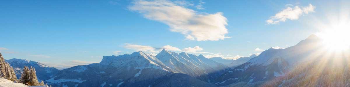Bergpanorama während Skiferien in Österreich