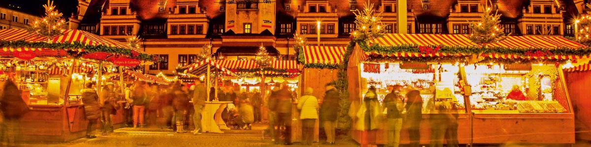 Weihnachtsmarktstände auf Marti Reise