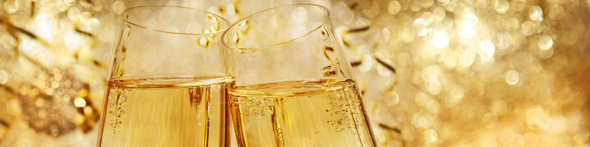 Champagnergläser auf Silvesterreise