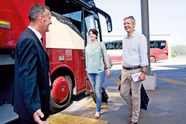 Empfang der Reisegäste im Marti Car Terminal